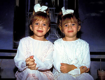 olsen-twins-are-the-same