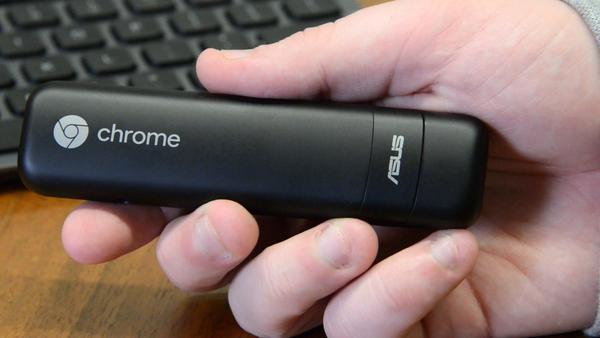 asus-chromebit-in-a-hand.jpg