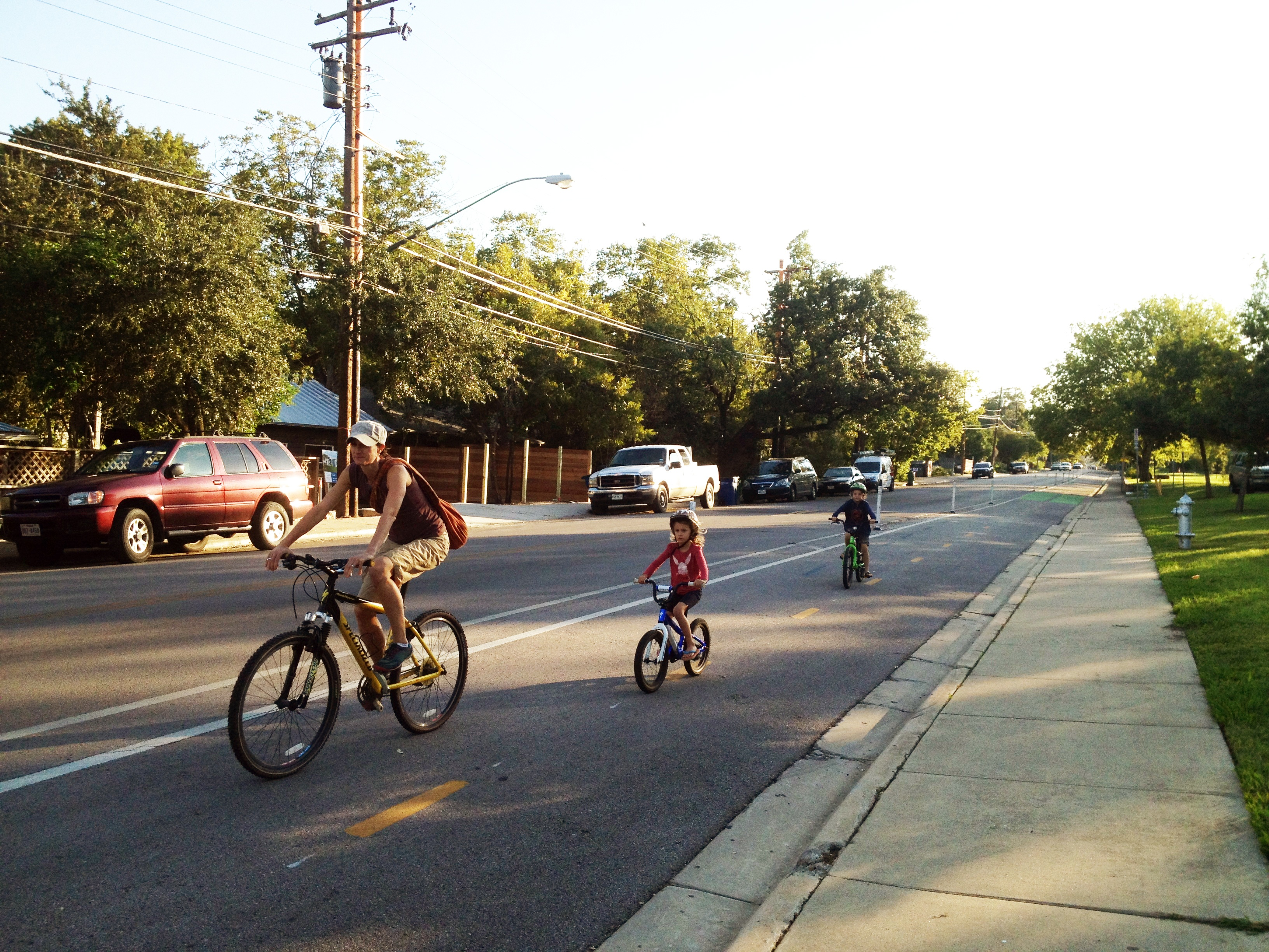 cycling-in-austin-on-sunday-morning.jpg